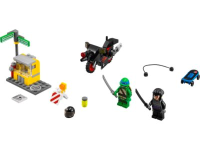 Explore product details and fan reviews for buildable toy Karai Bike Escape 79118 from Ninja Turtles TM. Buy today with The Official LEGO® Shop Guarantee.