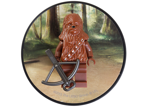 Collect the Rebel Alliance's bowcaster, Wookiee, Chewbacca™, attached to a decorated backplate with magnet!