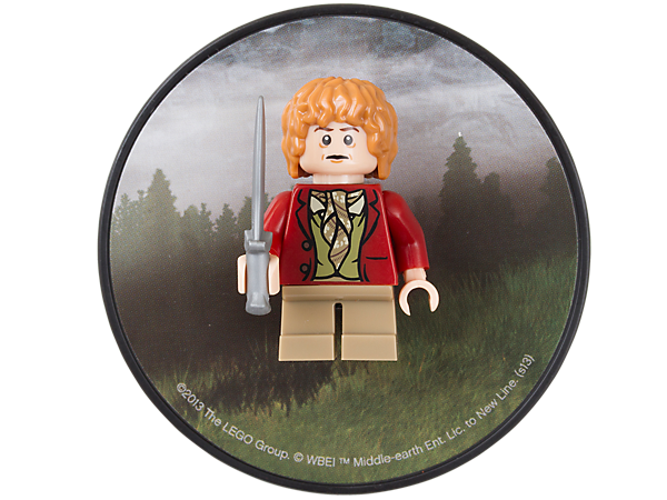 Collect and display the famous hobbit ring bearer of Middle-earth, Bilbo Baggins™, in journey outfit, attached to a decorated magnet!