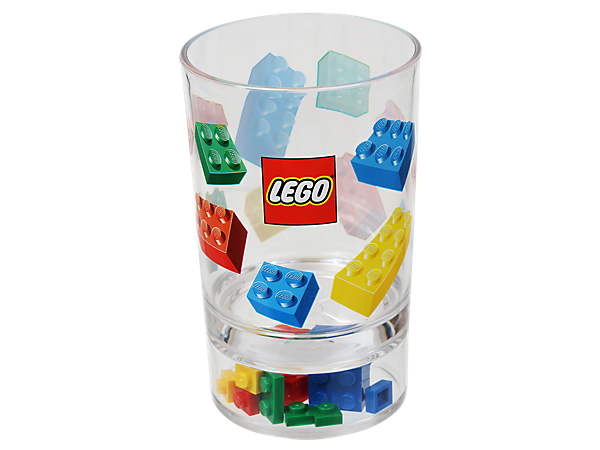 Sip in style with a cool new LEGO® Drink Tumbler made for cold drinks, featuring a removable twisty straw and real LEGO bricks !
