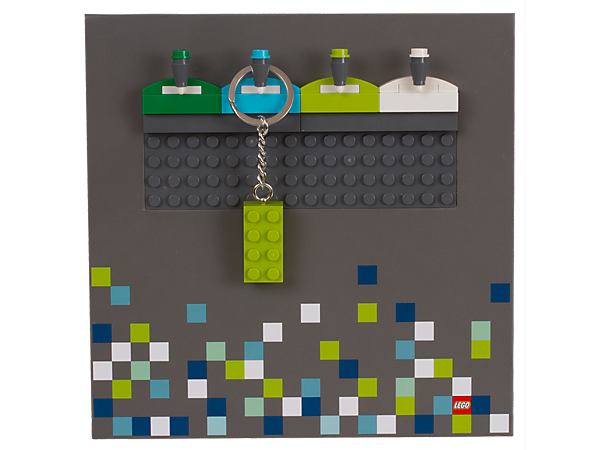 <p>Show off your cool LEGO® key chains with this LEGO Iconic Key Chain Rack, which comes with a 2x4 brick key chain and some extra bricks to decorate the base plate.</p>