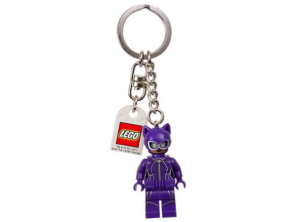 Step out with THE LEGO® BATMAN MOVIE Catwoman™ keyring, featuring a Catwoman minifigure attached to a sturdy metal ring and chain.