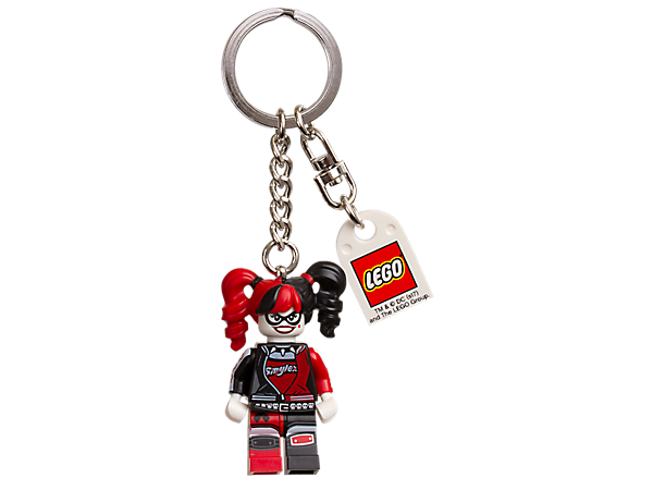 Guard your gear with THE LEGO® BATMAN MOVIE Harley Quinn™ keyring, featuring a Harley Quinn minifigure attached to a sturdy metal ring and chain.