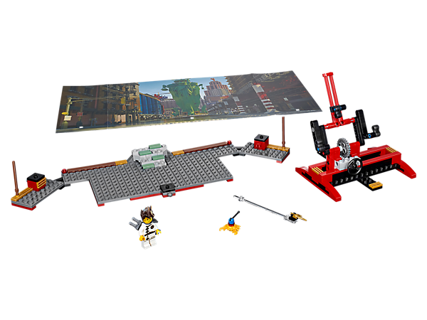 Become a movie director with the NINJAGO® Movie Making Kit, featuring a double-sided backdrop, buildable LEGO® scenery, camera rig, assorted props and a Kai minifigure.