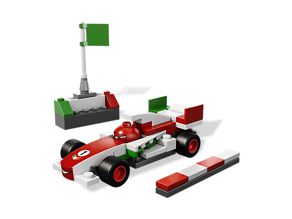 Build Disney® Pixar® Cars 2™ star Francesco Bernoulli and recreate the World Grand Prix race in speedy style!
