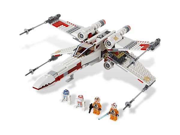 Battle the Empire in the famous X-Wing Starfighter™, packed with realistic details, torpedoes, retracting wings and a special attack mode!