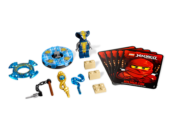 Spin into battle against the ninjas with 4 battle cards and Slithraa, armed with a transparent blue spinner, blue crown and a golden weapon!