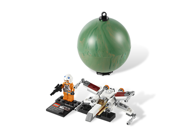 Launch the mini X-wing™ starfighter with minifigure from a hanging Yavin 4™ planet, or display it on the stand with collector's plaque!